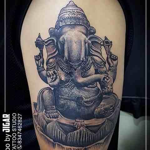 777-tattoo-studio-anand-shoulder-full-ganesha