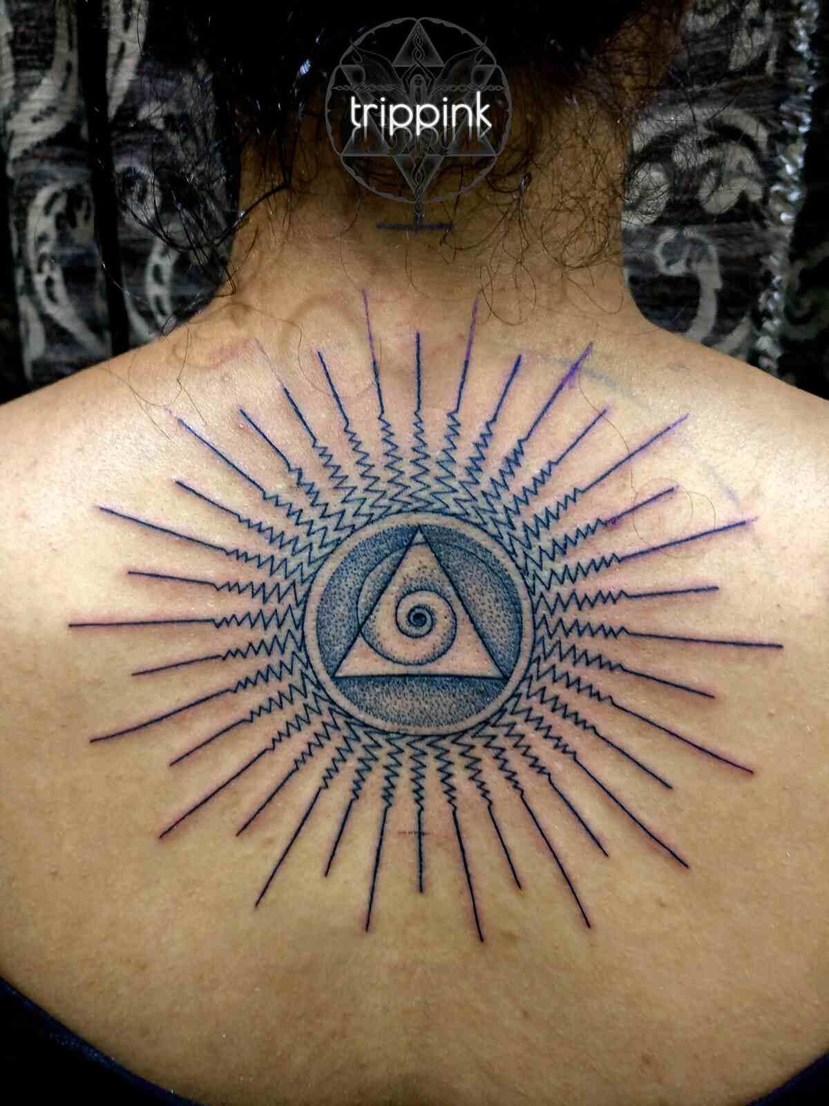 trippink-tattoo-bangalore-abstract-back-tattoo