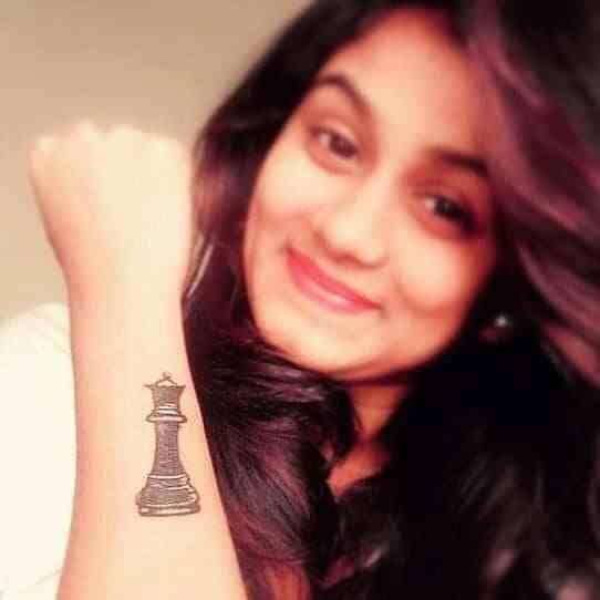 signature-tattoo-chennai-hand-chess-queen