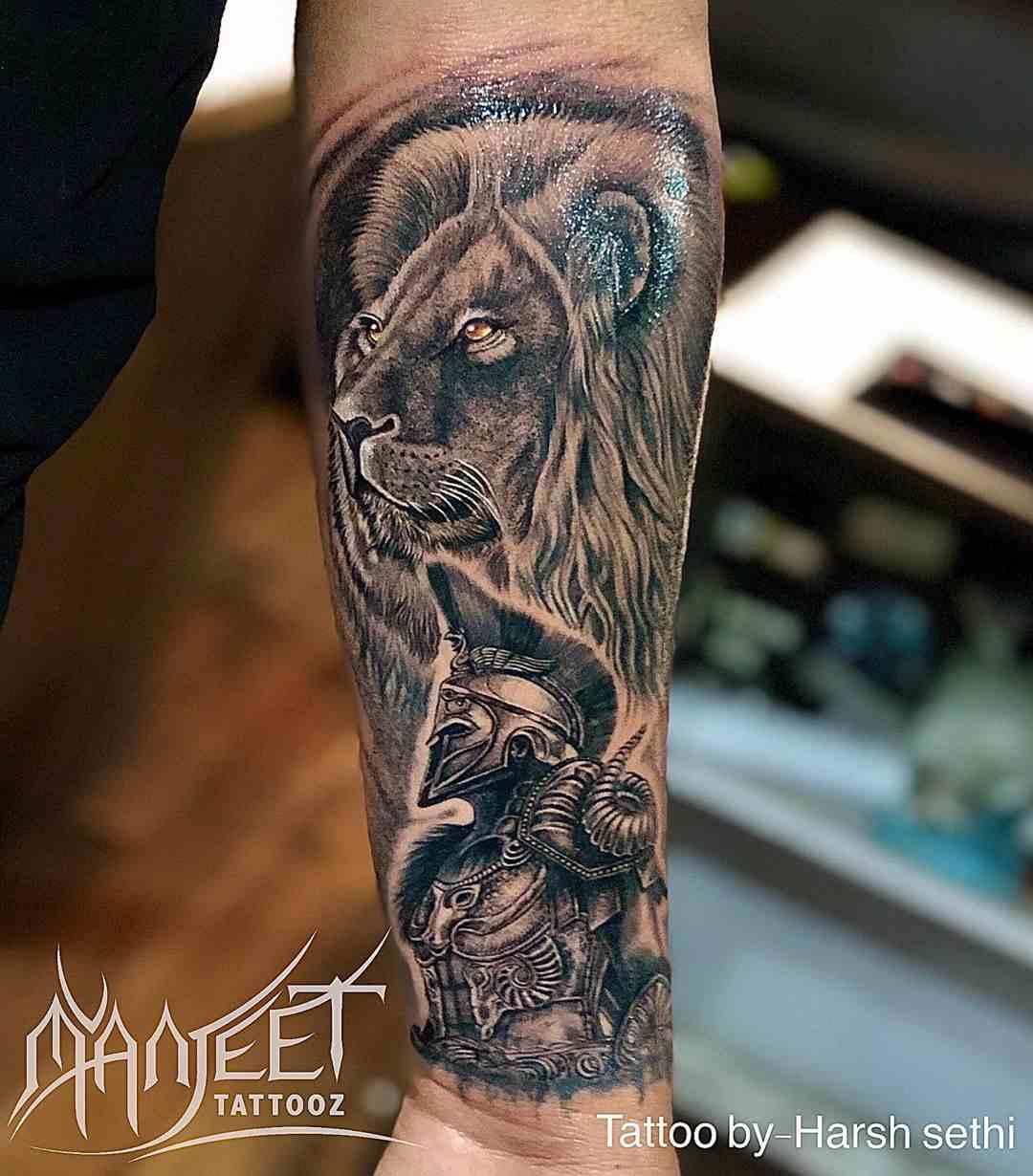 manjeet-tattooz-delhi-full-hand-lion-warrior