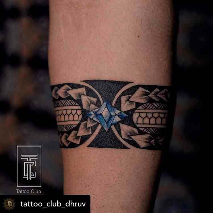 tattoo-club-tattoo-delhi-hand-band