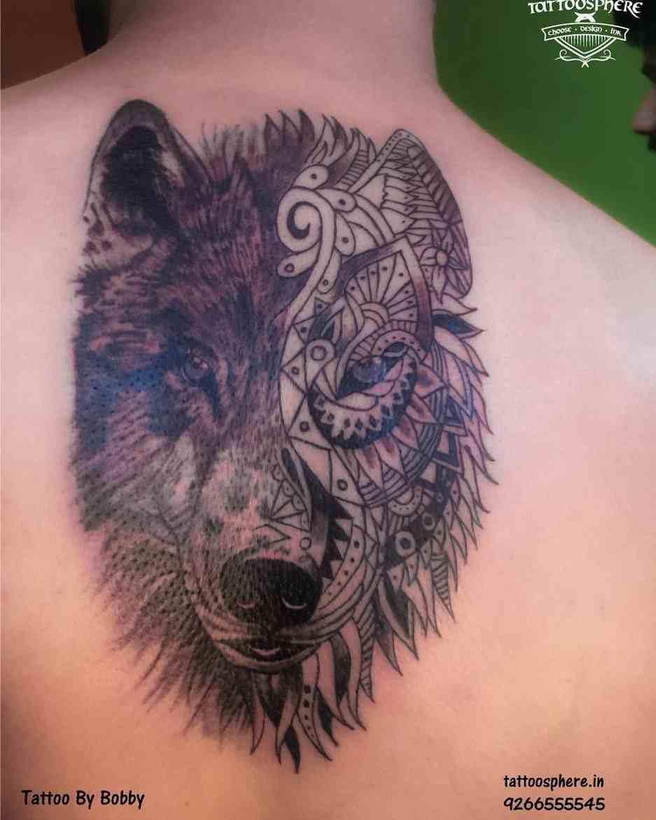 tattoo-sphear-delhi-back-wolf-line-art