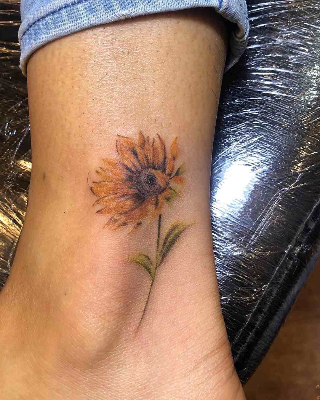 the-tattoo-shop-delhi-ankel-color-flower