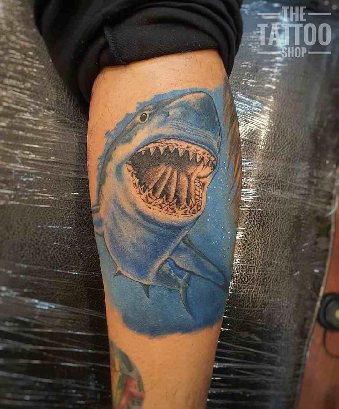 the-tattoo-shop-delhi-hand-color-shark
