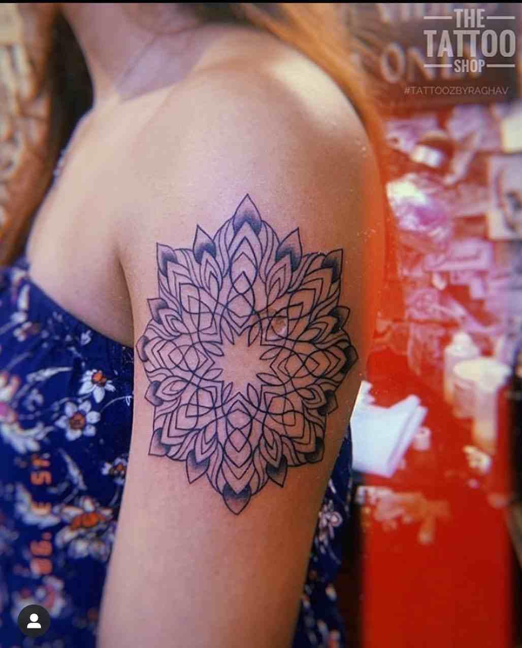 the-tattoo-shop-delhi-shoulder-mandala