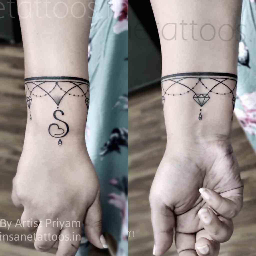 insane-tattoo-mumbai-beautiful-breslet