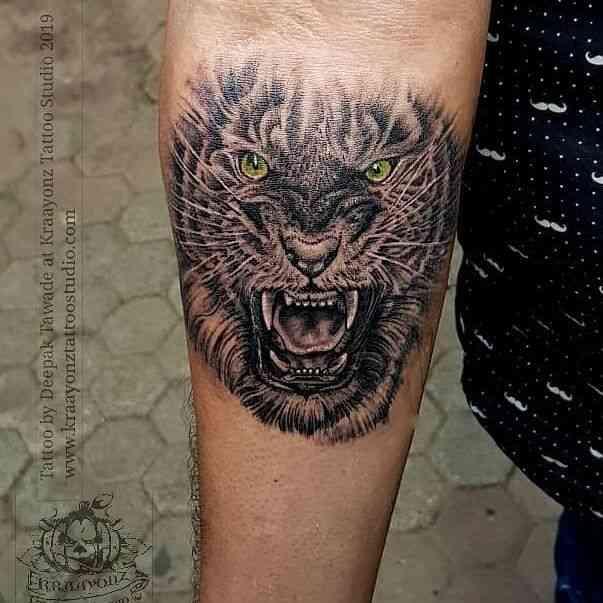 kraayonz-tattoo-studio-pune-tiger