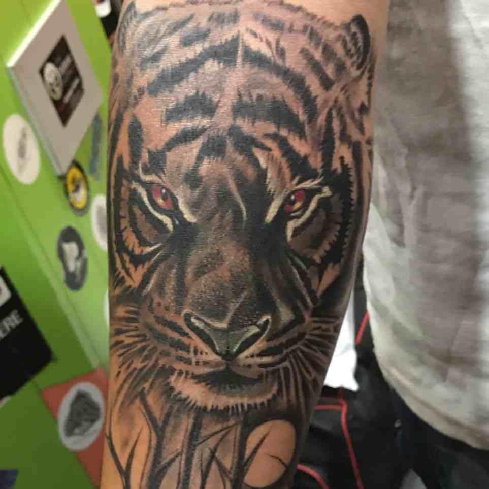 jack-tattoo-nagpur-hand-tiger