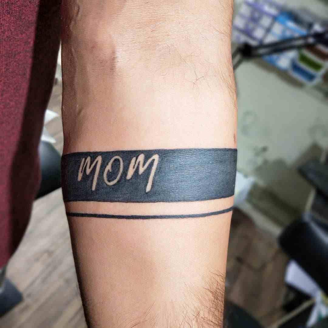 think-tattoo-nagpur-hand-name-mom