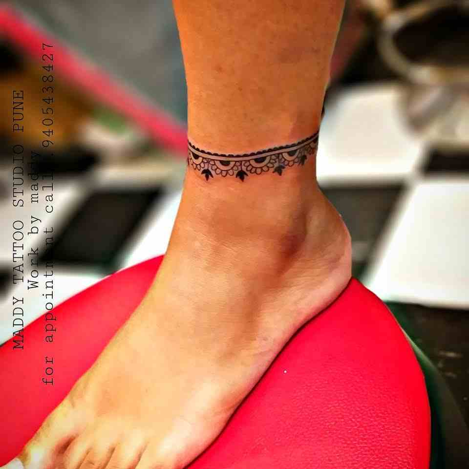 maddhy-tattoo-pune-anklet
