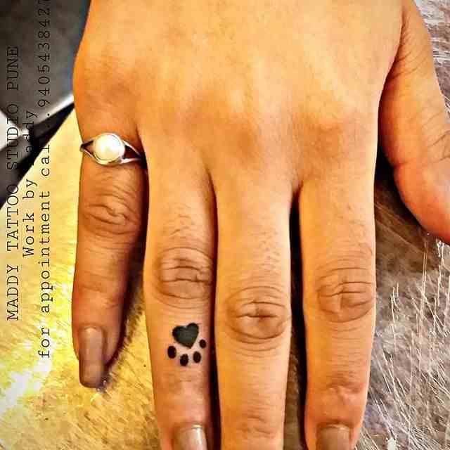 maddhy-tattoo-pune-finger-dog-feet