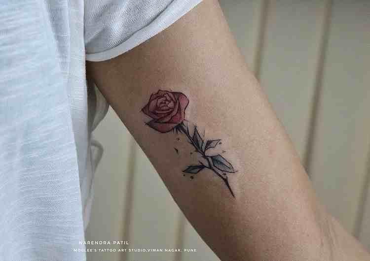 moulee-tattoo-studio-pune-biceps-red-rose