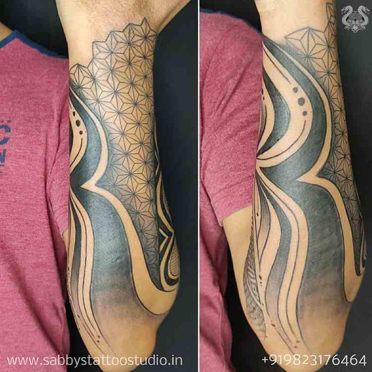 sabbys-tattoo-studio-abstract-hull-arm-koregaon-park