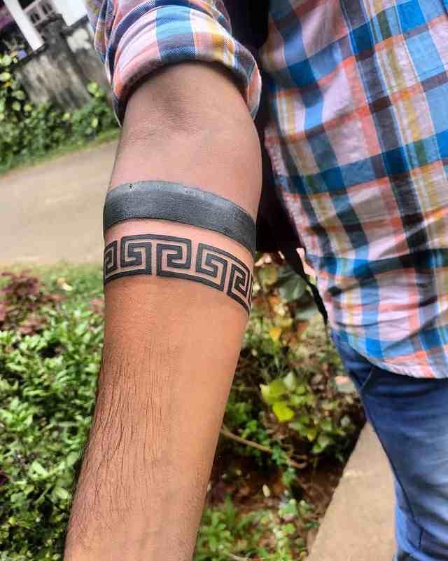 bonkeyz-tattoo-studio-thrissur-arm-band-tattoo